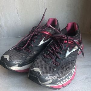 Brooks glycerin 10 running shoes 9.5